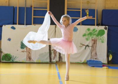 Ballett, Hiphop, Tanztheater - alles lernen die Kinder bei den Feriencamps.
