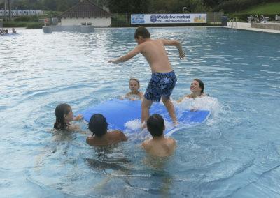 Spaß im TSG-Waldschwimmbad.