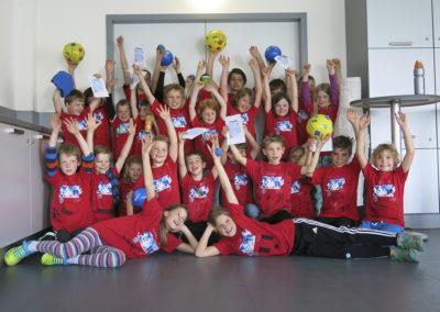 Jedes Kind bekommt bei den Sport-Feriencamps ein T-Shirt.
