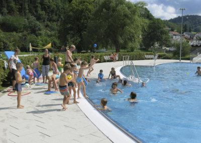Ab ins Schwimmbad - im Sommer ist das die passende Abkühlung.