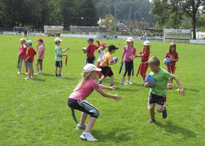 Im Sommer ist der Ausgangspunkt für die Aktivitäten das Waldstadion.