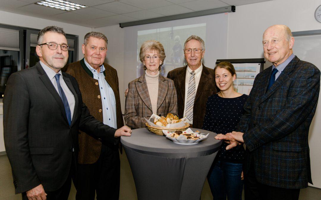 Feierstunde für das HSC mit: Dr. Torsten Fetzner, Volker Jacob, Josephine und Dr. h.c. Hans-Werner Hector, Alexandra Porth und Dr. Hans-Jochen Hüchting (von links).