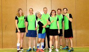 Die Spieler der 1. Mannschaft (v.l.n.r.: Vera Falkenstein, Friedhelm Erben, Fahed Oudischo, Stefan Sauer, Nicole Rech, Konstantin Kleefoot, Daniel Kaegi).