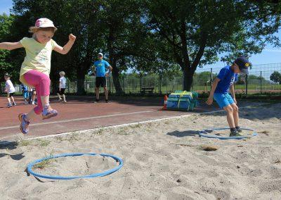 Schwerpunkt Kinderleichtathletik im Stadion.